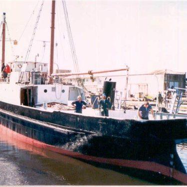 Nelcebee leaving port